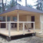 Баня с беседкой и барбекю под общей крышей