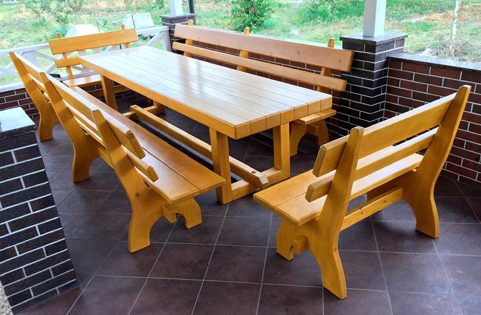Деревянная мебель для беседки